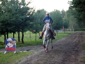 Belinda Hitzler beim Finish in Kuznia