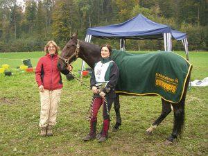 Die Siegerin Anna Gugunava auf 85 km mit Kabardinerstute  Adygea und Trainerin Karin Stadtherr, © Mehmet Kopar