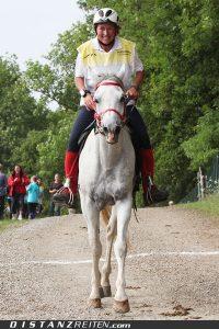 Sybille Markert-Baeumer mit Estopal Estopa, Deutsche Meisterschaft im Distanzreiten Nörten-Hardenberg 2011, Foto: Christian Lüke